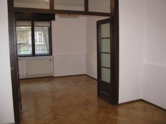 Renting 2 rooms apartment Cismigiu Park